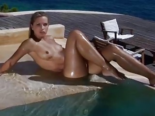 Seductive nude woman outdoors is ready for banging