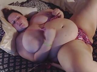 Fat slut loves to use her Hitachi toy