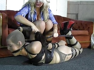 Sexy blonde makes her lesbian babe feel good