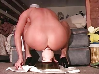 Amateur mom is riding her big dildo
