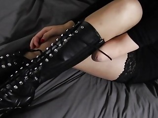 Amputee chick tying her boots
