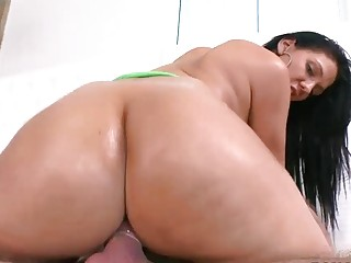 Madison gets her big bubble booty filled