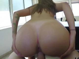 Booty to get banged