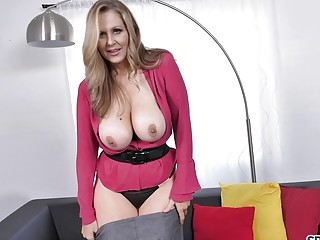 Sluty MILF Julia Ann loves giving blowjobs to young guys