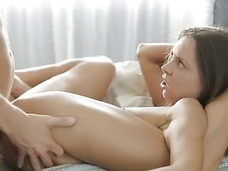 Gorgeous naked babe fucks hardcore until she gets the creampie